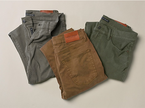 Add an autumn color to the mixwith easy-to-pair pants